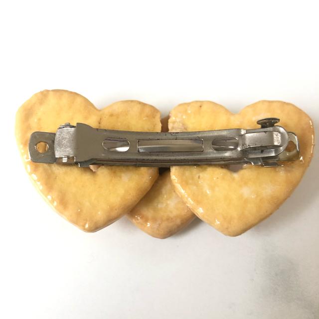 BABY,THE STARS SHINE BRIGHT(ベイビーザスターズシャインブライト)のハートクッキー バレッタ レディースのヘアアクセサリー(バレッタ/ヘアクリップ)の商品写真
