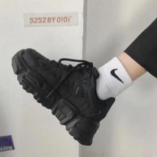 17kg スネークダッドスニーカー 黒 22.5cm(スニーカー)