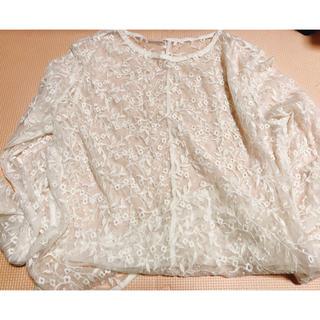 ジーユー(GU)のGU レース ホワイト ロンTサイズ(Tシャツ/カットソー(七分/長袖))