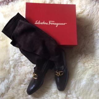 サルヴァトーレフェラガモ(Salvatore Ferragamo)のフェラガモ♡新品ブーツ(ブーツ)