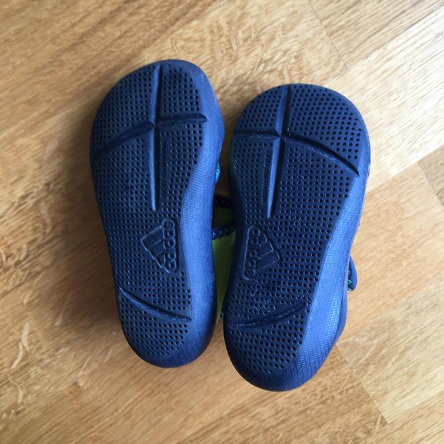 adidas(アディダス)のadidas アディダス ベビーサンダル キッズ/ベビー/マタニティのベビー靴/シューズ(~14cm)(サンダル)の商品写真