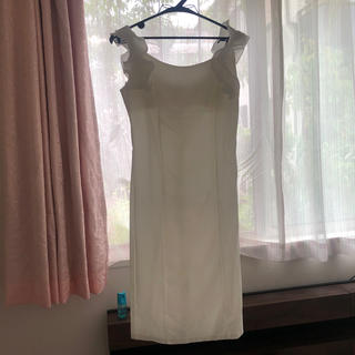 Andy - タグ付きドレス