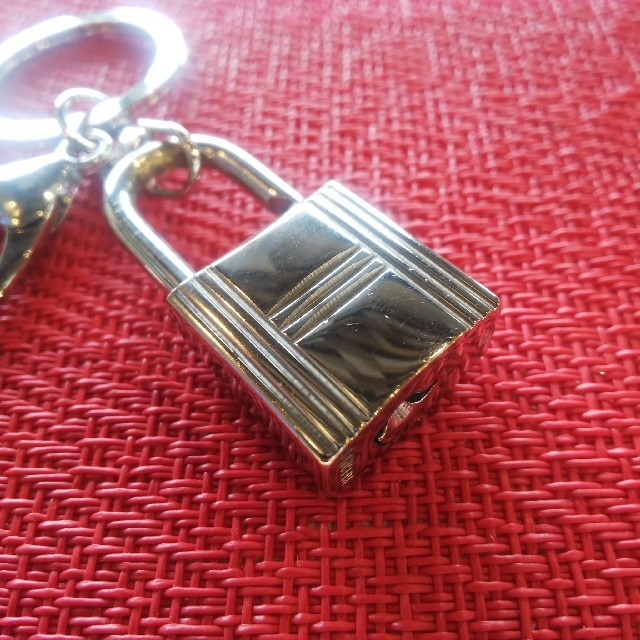 Hermes(エルメス)のHERMES パドロック キーリング付き エルメス レディースのファッション小物(キーホルダー)の商品写真