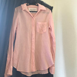 スナイデル(snidel)の美品 雑誌掲載 スナイデル ピンクのシャツ 1枚で映える(シャツ/ブラウス(長袖/七分))