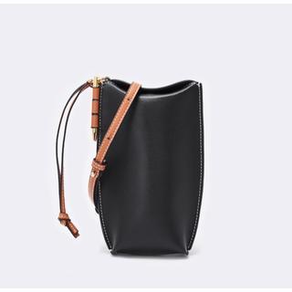 アメリヴィンテージ(Ameri VINTAGE)の本革 ポケットショルダーバッグ リアルレザー 高品質 高見え 黒(ショルダーバッグ)
