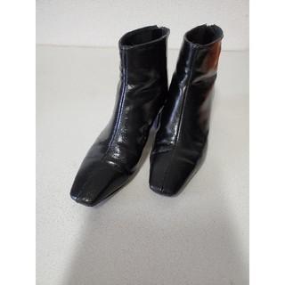 ザラ(ZARA)のZARAミディアムヒールショートブーツ ブラック36(ブーツ)
