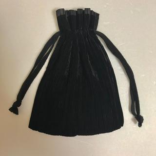 PLEATS PLEASE ISSEY MIYAKE - 【ISSEY MIYAKE】イッセイミヤケ プリーツ 巾着袋 バッグ 黒