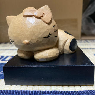 ハローキティ(ハローキティ)のキティ 木彫り (キャラクターグッズ)