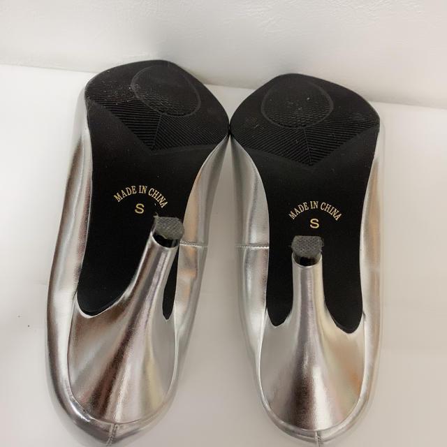 神戸レタス(コウベレタス)の【値下げ!】シルバーパンプス レディースの靴/シューズ(ハイヒール/パンプス)の商品写真