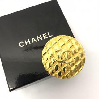 シャネル(CHANEL)の【CHANEL】シャネル ブローチ マトラッセ ココマーク ゴールド 25(ブローチ/コサージュ)