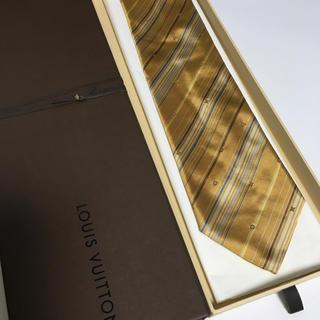 ルイヴィトン(LOUIS VUITTON)の美品 ルイヴィトン  ネクタイ ゴールド モノグラム (ネクタイ)