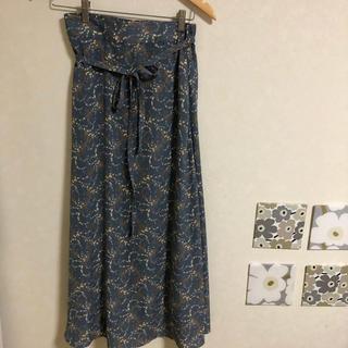 シマムラ(しまむら)のプチプラのあや×しまむらコラボ 花柄シフォンスカート(ロングスカート)