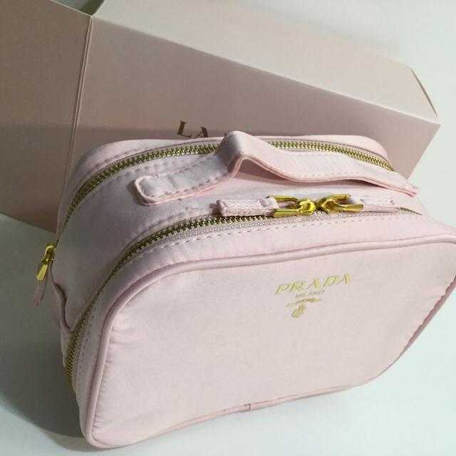 PRADA(プラダ)のPRADAポーチ レディースのファッション小物(ポーチ)の商品写真