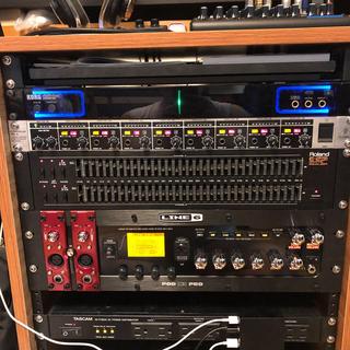 BEHRINGER 8チャンネル ヘッドホンアンプ