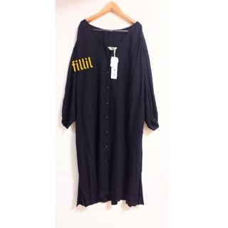 メルロー(merlot)のフィリル 前開きボタン 裾スリット長袖ワンピース黒F(ロングワンピース/マキシワンピース)
