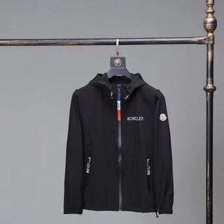モンクレール(MONCLER)のモンクレール ジャケット白&黒(ミリタリージャケット)