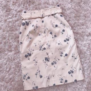 ティティアンドコー(titty&co)の今週限定 レア flower skirt(ひざ丈スカート)