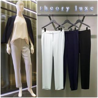 セオリーリュクス(Theory luxe)の theory luxe  18SS LIFT スリムパンツ アイスブルー40(クロップドパンツ)
