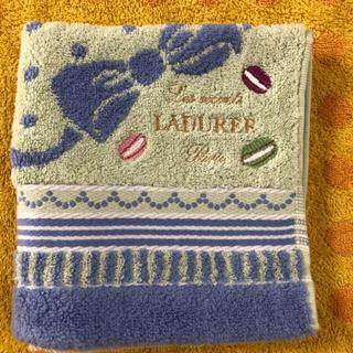 ラデュレ(LADUREE)のラデュレマカロンハンドタオルミントブルー(タオル/バス用品)