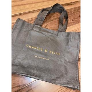チャールズアンドキース(Charles and Keith)のCharles&Keith ショッパー 新品未使用 迅速発送!即購入OK!(ショップ袋)
