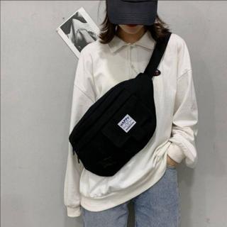 斜めがけ メッセンジャーバッグ ボディバッグ 黒 韓国 メンズ レディース(メッセンジャーバッグ)