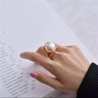 ザラ(ZARA)のパールリング(リング(指輪))
