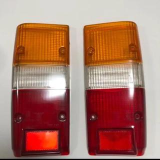 トヨタ(トヨタ)のランドクルーザー 60 ランクル60 後期 純正 テールレンズ カバー(車種別パーツ)
