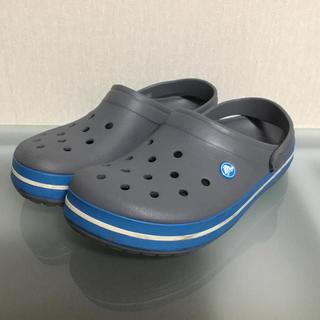 crocs - 【良品半額以下】クロックス グレー サンダル メンズ