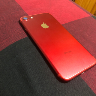 アップル(Apple)のiPhone7 限定色 赤(スマートフォン本体)