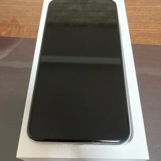 アイフォーン(iPhone)の iPhone Xs Max Silver 64 GB(スマートフォン本体)