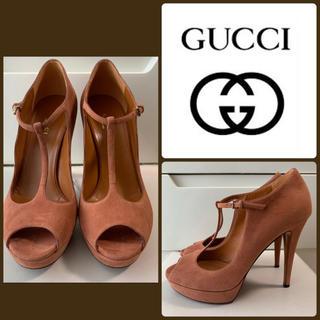 Gucci - GUCCI ブラウンスエード ストラップ パンプス