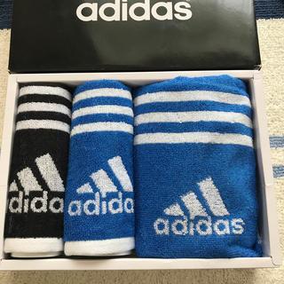 アディダス(adidas)のadidas マフラータオル+タオルハンカチ2枚セット(ハンカチ/ポケットチーフ)