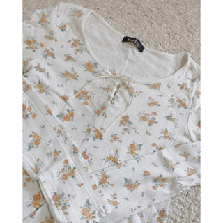 one after another NICE CLAUP - 花柄 Tシャツ レースアップ  ワッフル Tシャツ