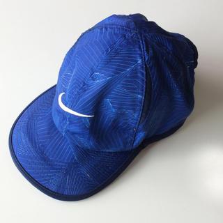 ナイキ(NIKE)のナイキ 帽子 キャップ フェザー ライト  男児 男の子 マラソン ランニング(帽子)