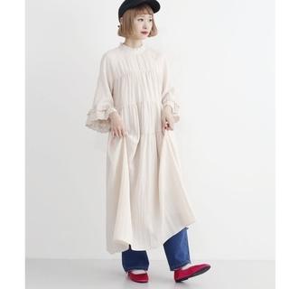 メルロー(merlot)の【美品】merlot フリルネックワンピース(ロングワンピース/マキシワンピース)