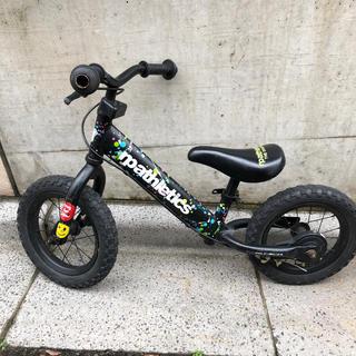 ブレーキ付きキックバイク(三輪車/乗り物)