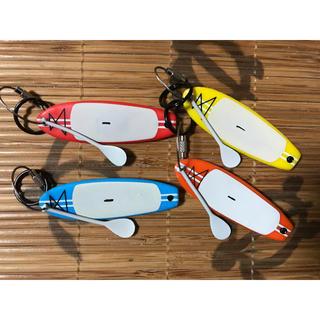ビラボン(billabong)のSUPキーホルダー 4個 新品 スタンドアップパドル 送料込み(サーフィン)