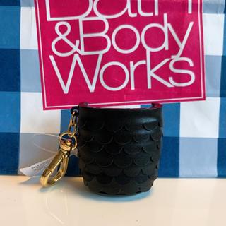 バスアンドボディーワークス(Bath & Body Works)の【新品】バスアンドボディワークス ジェル ホルダー ブラックマーメイド(キーホルダー)