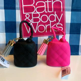 バスアンドボディーワークス(Bath & Body Works)の【新品】バスアンドボディワークス ジェル ホルダー タッセルセット(キーホルダー)