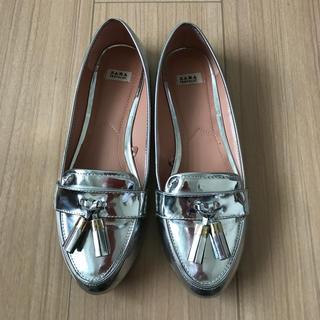 ザラ(ZARA)のZARA タッセルローファー★38サイズ(ローファー/革靴)