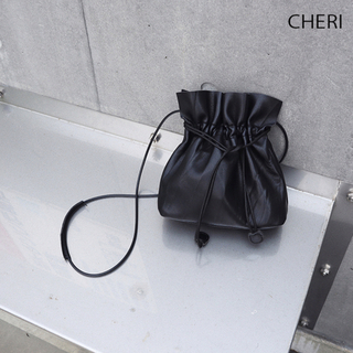 トゥデイフル(TODAYFUL)のレザーポシェット 巾着(ショルダーバッグ)