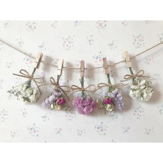 ホワイトとピンクのバラとかすみ草のパステルカラードライフラワーガーランド♡(ドライフラワー)
