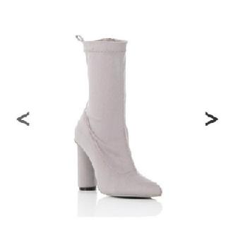 ザラ(ZARA)の新品 最終 限定 値下げ YELLO STONE SHORT  BOOTS(ブーツ)
