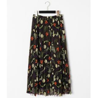 グレースコンチネンタル(GRACE CONTINENTAL)の新品 フルーツ🍋🍃刺繍プリーツスカート 36 大人ブラック(ロングスカート)