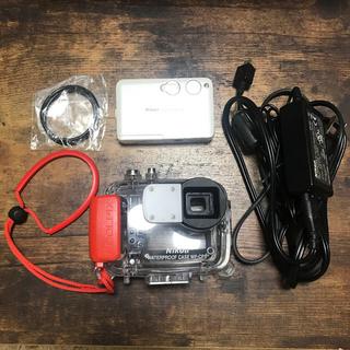 ニコン(Nikon)のNikon COOLPIX S3 本体&専用 水中ハウジング(ダイビング他)(コンパクトデジタルカメラ)