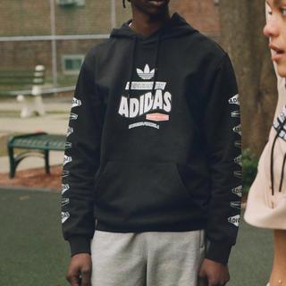 アディダス(adidas)のパーカー(パーカー)