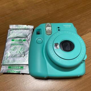 フジフイルム(富士フイルム)のチェキinstax 8+(フィルムカメラ)