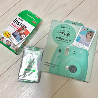 フジフイルム(富士フイルム)のFUJI FILM INSTAX MINI 8+ MINT(フィルムカメラ)