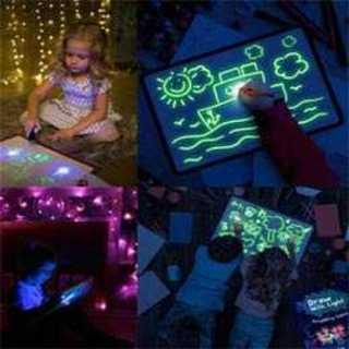 光でお絵描きボード蓄光蛍光ライトペン2本付きですぐに使える お布団やベッドで寝る