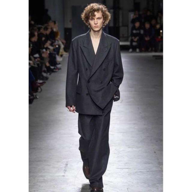 DRIES VAN NOTEN(ドリスヴァンノッテン)のDries Van Noten 19aw ダブルブレストジャケット メンズのジャケット/アウター(テーラードジャケット)の商品写真